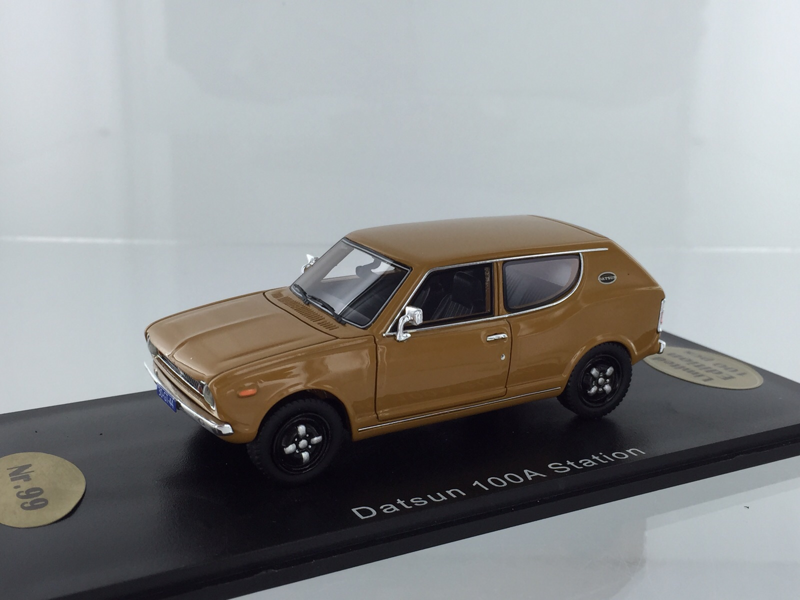Datsun 100a Station Gold