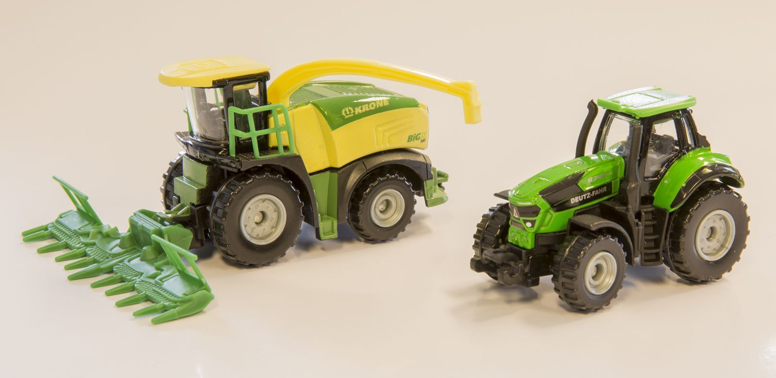 Krone Big X580 Forage Harvester + Deutz-Fahr TTV9340 Tractor