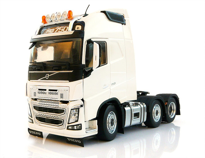 Volvo FH16 6x2 Wit