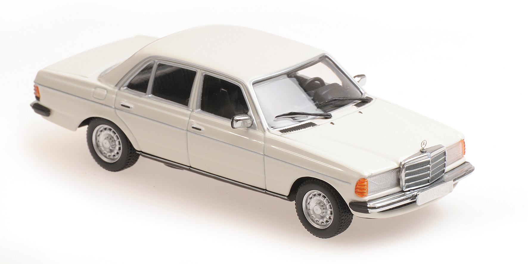 Mercedes-Benz 230E (W123) 1982 White