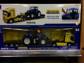 1:24 New Holland T7070 (+Sound) + 1:32 Iveco Stralis Flatbed