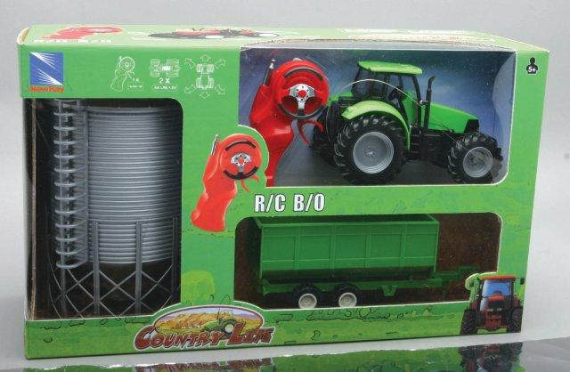 1:32 Tractor with Trailor - Silo , (Batterie nicht inkl.)