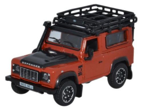 Land Rover Defender 90 Adventure Oranje - 1:76