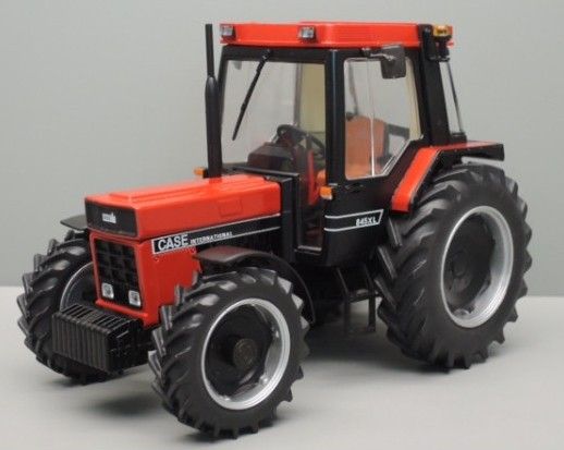 Case IH 845 XL Black/Red 4wd