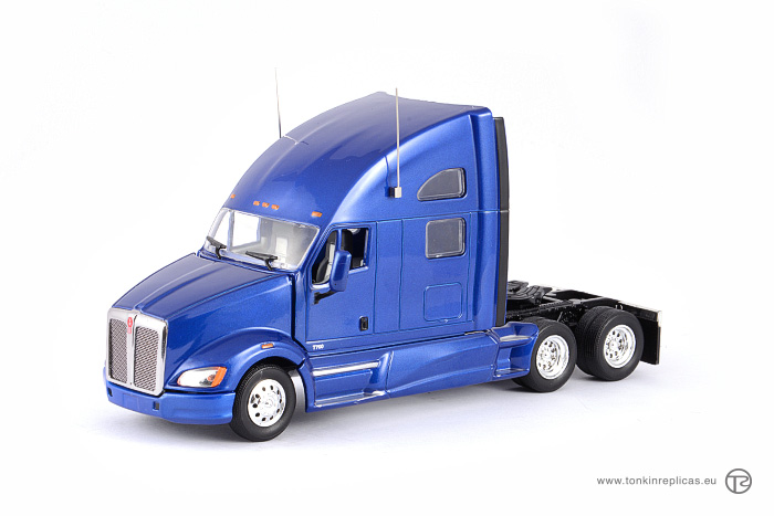 Peterbilt T700 Sleeper Cab 6x4 Blue
