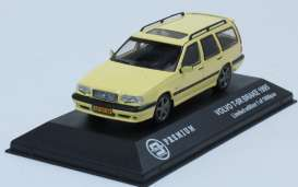 Volvo 850 T5-R Break 1995 Geel