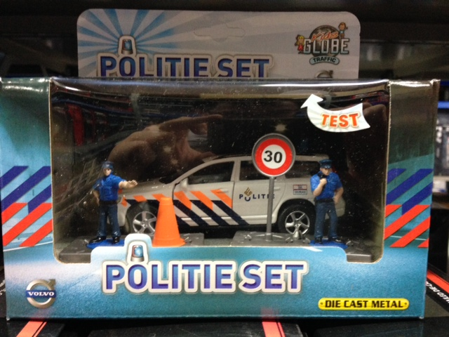 DCPB Volvo V70 Politie met Accessoires Light and Sound
