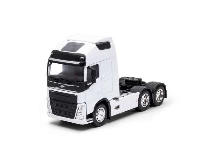 Volvo FH 3-Axle 2016 White
