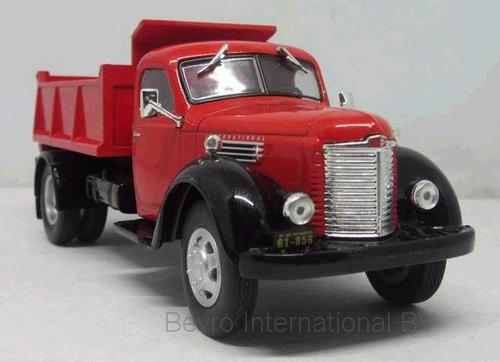 International Harvester KB 7 1948 Rood/Zwart